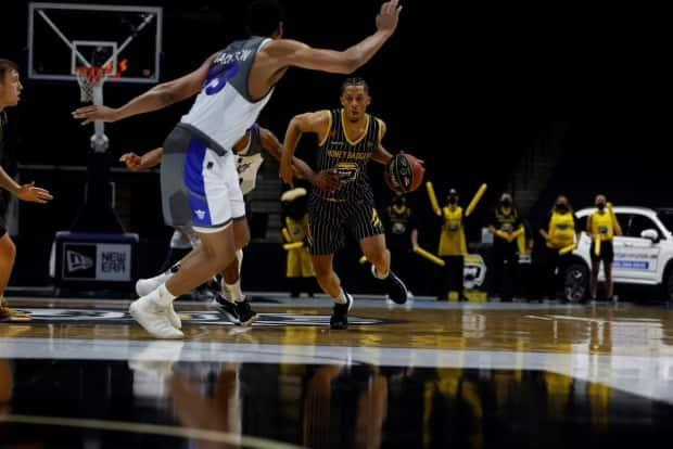 Hamilton Honey Badgers guard Lindell Wigginton finished 25 points, seven rebounds and three assists in Hamilton's 78-76 win over the Niagara River Lions Sunday. (CEBL - image credit)