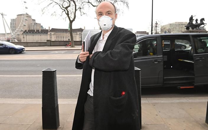 Dominic Cummings wrote that Simon Case told Boris Johnson that he wasn't the leaker, but instead pointed his finger at someone else-Julian Symons.