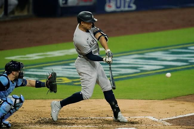 Stanton's 2 big homers not enough to power Yankees in Game 2