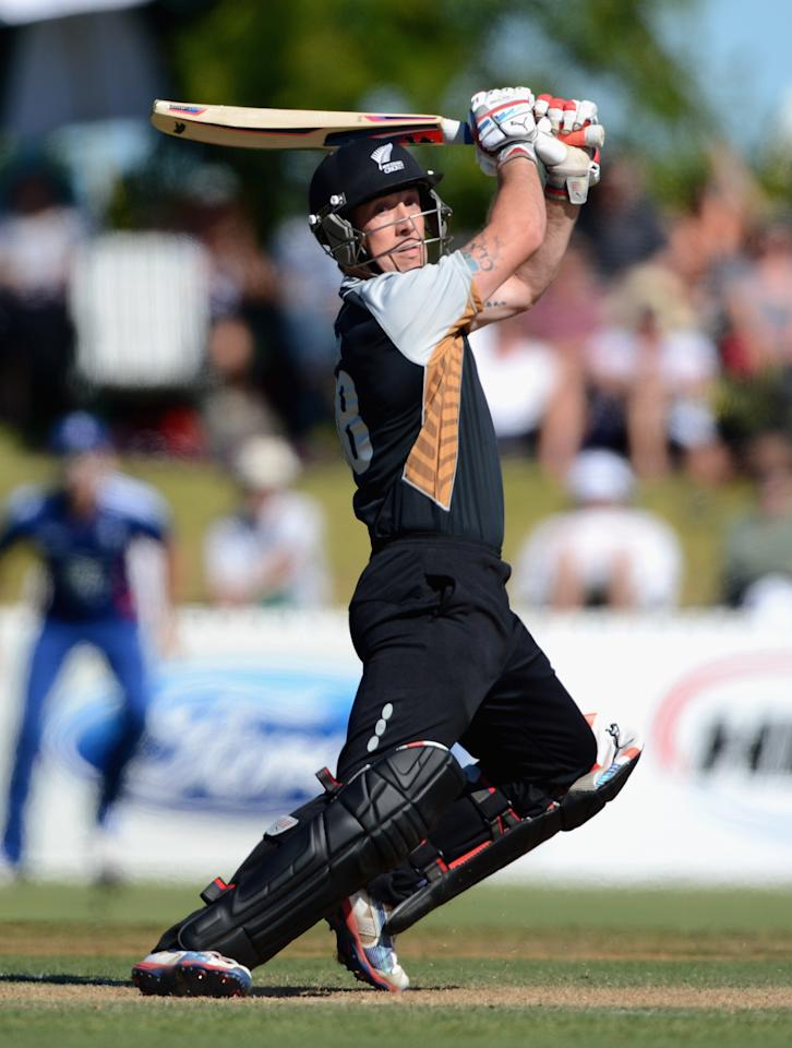 WHANGAREI, NEW ZEALAND - FEBRUARY 06:  Matt Henry of a New Zealand XI bats during a T20 Practice Match between New Zealand XI and England at Cobham Oval on February 6, 2013 in Whangarei, New Zealand.  (Photo by Gareth Copley/Getty Images)