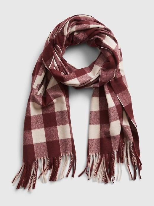 <p>If warm equals comfortable for you, you'll be glad to know this <span>Gap Cape Scarf</span> ($24-$34, originally $50) can be worn around your neck or you can poke your hands through as a poncho cape instead. </p>