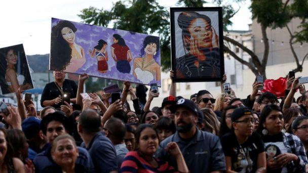 PHOTO: Fans wait at the unveiling of the star of late singer Selena Quintanilla-Perez on the Hollywood Walk of Fame in Los Angeles, Nov. 3, 2017.  (Mario Anzuoni/Reuters)