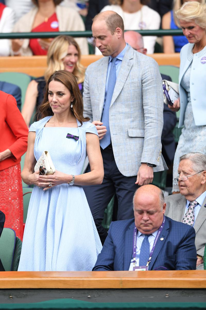Kate Middleton und Prinz William in abgestimmten Outfits beim Einzelfinale der Herren in Wimbledon. Foto: Getty Images
