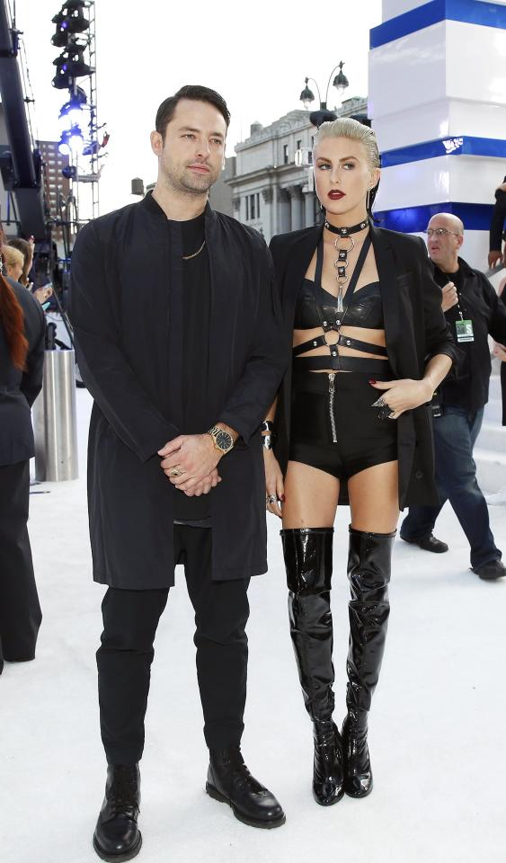 Phantogram arrives at the 2016 MTV Video Music Awards in New York, U.S., August 28, 2016.   REUTERS/Lucas Jackson