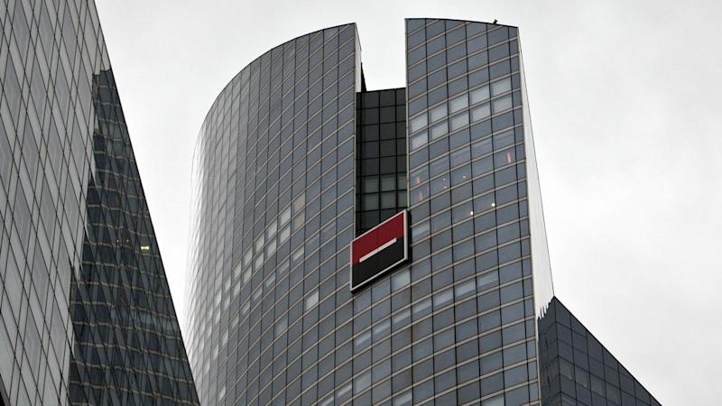 Brexit Threat Prompts Banks, Funds to Use Paris for Clearing