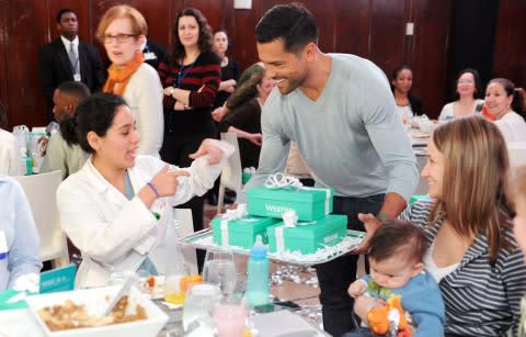Mark Consuelos surprises hundreds of nurses at Lenox Hill Hospital with a Westin Weekend getaway to ...