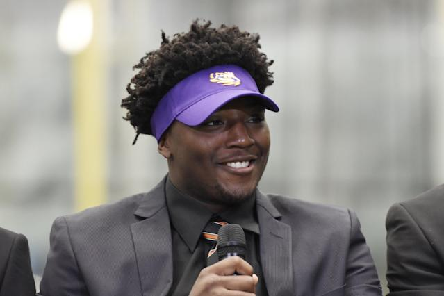 "LSU suspended LB <a class=""link rapid-noclick-resp"" href=""/college-football/players/275543/"" data-ylk=""slk:Tyler Taylor"">Tyler Taylor</a> indefinitely after reportedly learning that the was the alleged getaway driver in a pawn shop robbery of several guns. (AP)"
