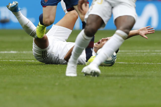 Real Madrid's Eden Hazard during the Spanish La Liga soccer match between Real Madrid and Levante at the Santiago Bernabeu stadium in Madrid, Spain, Saturday, Sept. 14, 2019. (AP Photo/Bernat Armangue)