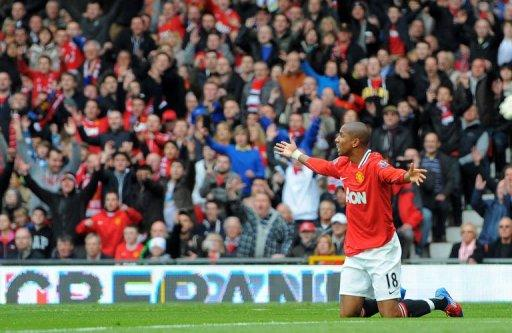 Manchester United's Ashley Young appeals for a penalty