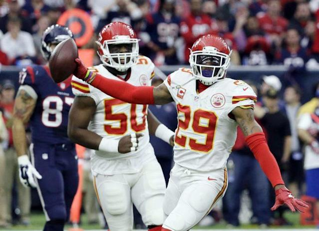 Eric Berry (29) and the Chiefs are looking to overtake the Broncos in the AFC West (AP)