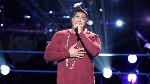 "Esera Tuaolo sings Luther Vandross' ""Superstar"" during Knockouts of 'The Voice.'"