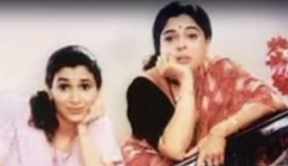 Devaki Verma– One of the best memories of my childhood was Tu Tu Main Main. It's weird that this comedy was based on the sweet and sour relationship between a middle class mother-in-aw and her daughter-in-law, yet we had hopelessly fallen in love with both the characters. They fought in every single episode, but we enjoyed those fights so much that we'd rather have a few of those in our lives. For all we know, the exterior of Devaki and Radha's relation had cracks all over , but the base was rock solid. In fact so solid that in one of the episodes, Devaki Verma went to the extent of turning down the opportunity of playing Salman Khan's mother in a movie and chose to look after her ailing daughter-in-law. That episode had seriously gotten me all teary eyed.