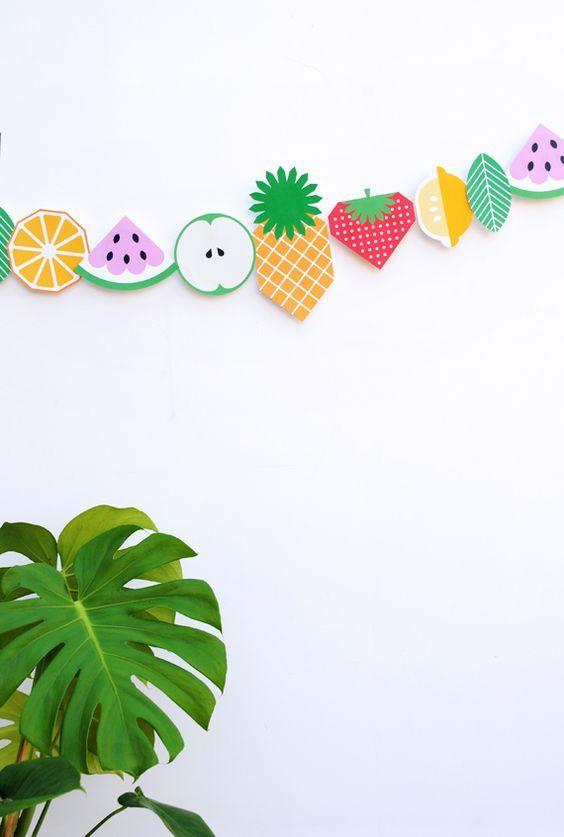 """<p>Get creative and give your bedroom a summer make-over by painting a fruit garland. <i><a href=""""https://uk.pinterest.com/pin/216595063303801394/"""">[Photo: Pinterest]</a></i></p>"""