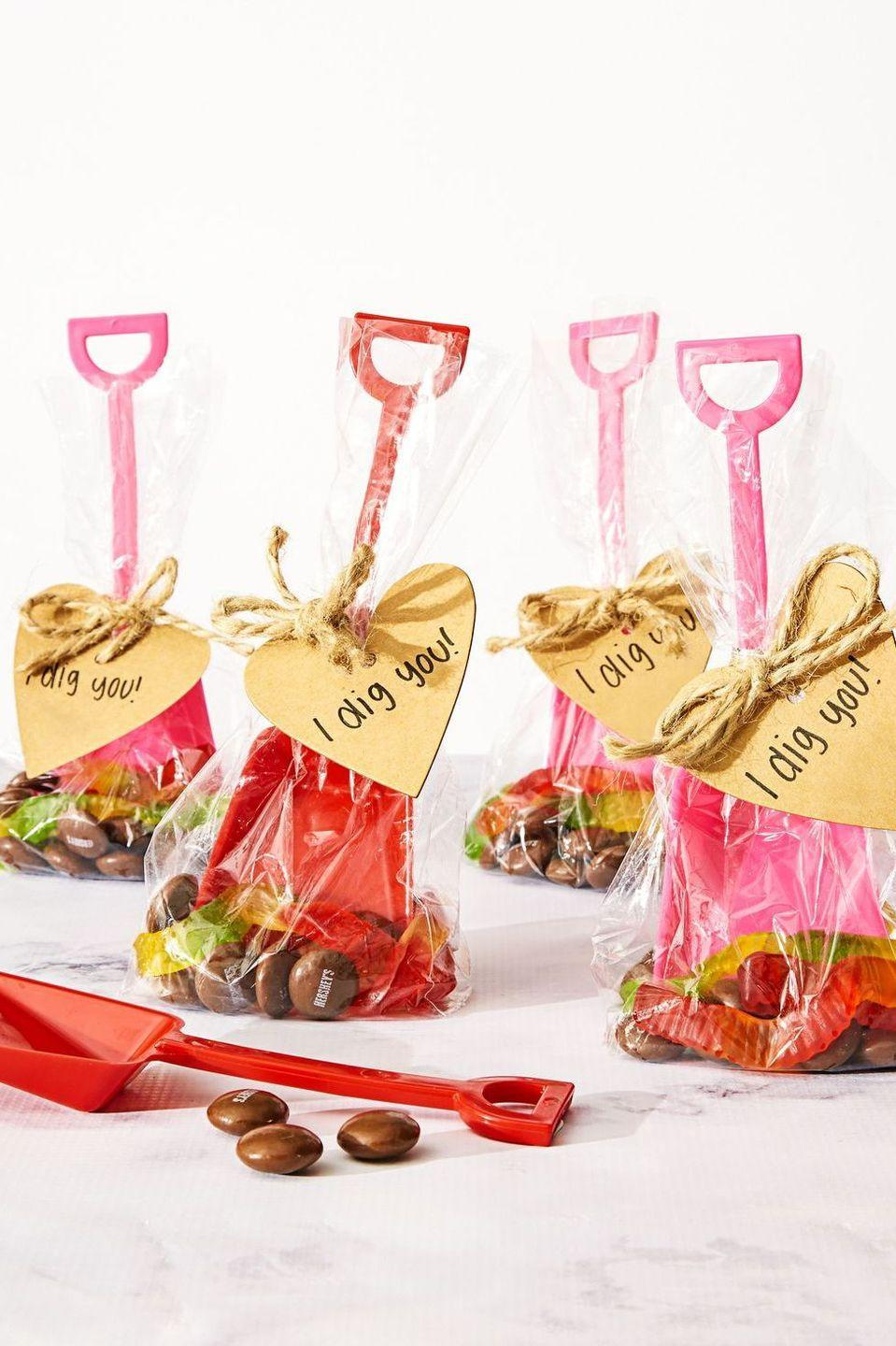 """<p>Pack these goodie bags with chocolate drops and gummy worms to resemble the great outdoors.</p><p><em><a href=""""https://www.goodhousekeeping.com/holidays/valentines-day-ideas/a36394/valentines-day-craft-goodie-bags/"""" rel=""""nofollow noopener"""" target=""""_blank"""" data-ylk=""""slk:Get the tutorial »"""" class=""""link rapid-noclick-resp"""">Get the tutorial »</a></em></p>"""