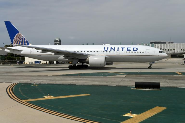 Layoffs loom for beleaguered US airline industry