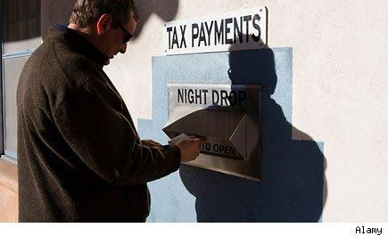 identity theft tax refund scammers
