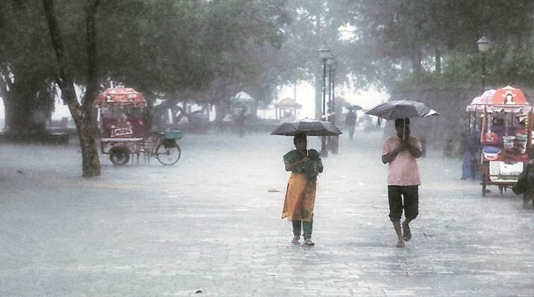 Kerala, Kerala rains, Kerala red alert, red alert in Kerala, Kerala weather, Kerala weather latest, IMD Trivandrum, met department, Kerala monsoon, Indian Express news