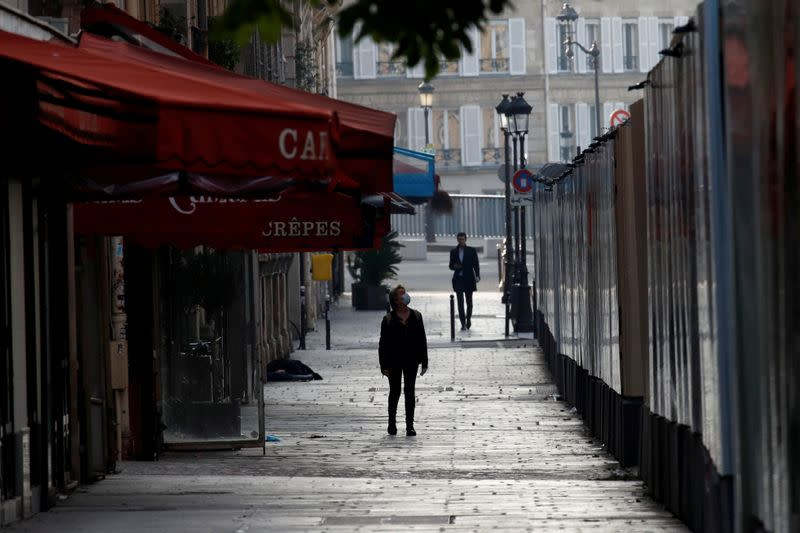 FILE PHOTO: Paris during a lockdown imposed to slow the spread of the coronavirus disease (COVID-19)