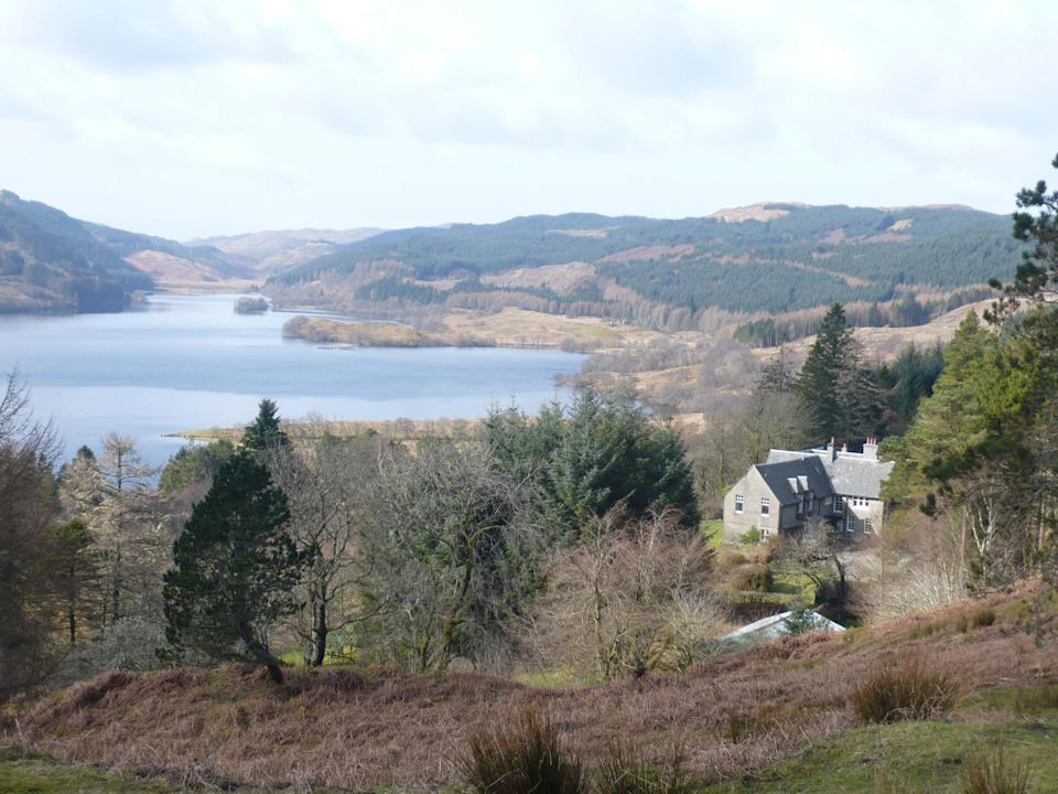 Loch Avich House has breathtaking views of the Scottish Highlands (Loch Avich House)