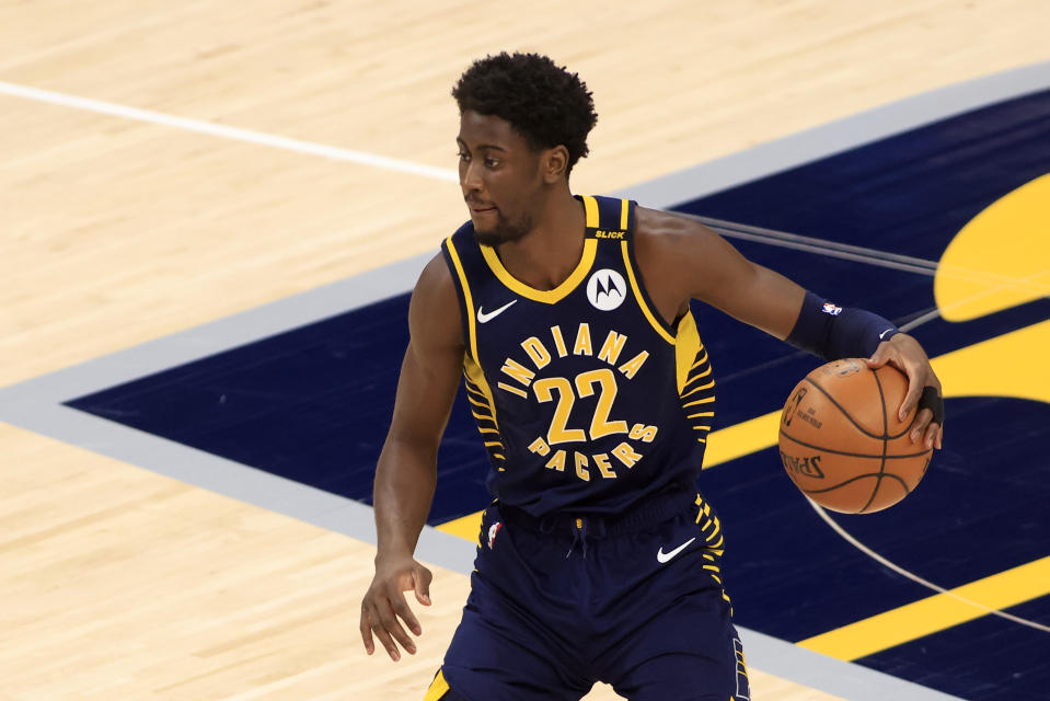 INDIANAPOLIS, INDIANA - APRIL 29: Caris LeVert #22 of the Indiana Pacers brings the ball up the court during the first quarter against the Brooklyn Nets at Bankers Life Fieldhouse on April 29, 2021 in Indianapolis, Indiana. NOTE TO USER: User expressly acknowledges and agrees that, by downloading and or using this photograph, User is consenting to the terms and conditions of the Getty Images License Agreement. (Photo by Justin Casterline/Getty Images)
