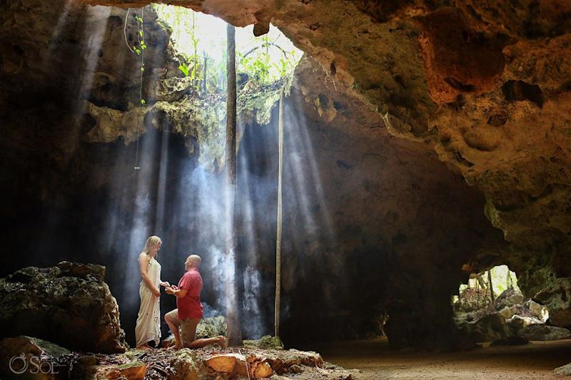 "The cave was a stunning backdrop for the proposal.&nbsp; (Photo: <a href=""https://www.instagram.com/delsolphoto/"" target=""_blank"">Del Sol Photography</a>)"