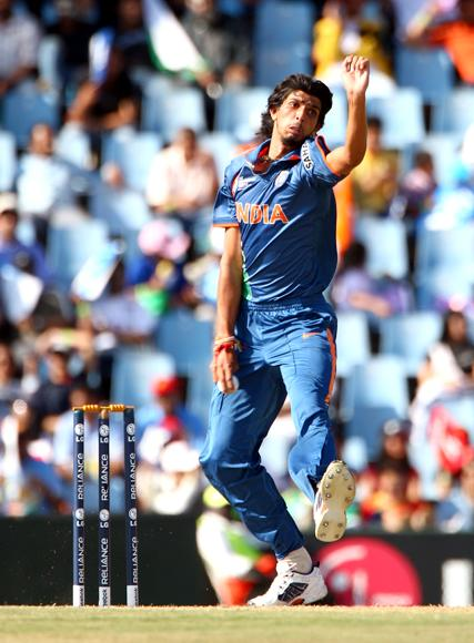 Ishant Sharma of India bowls during The ICC Champions Trophy Group A Match between India and Pakistan on September 26, 2009 at The Supersport Stadium in Centurion, South Africa.  (Photo by Julian Herbert/Getty Images) *** Local Caption *** Ishant Sharma