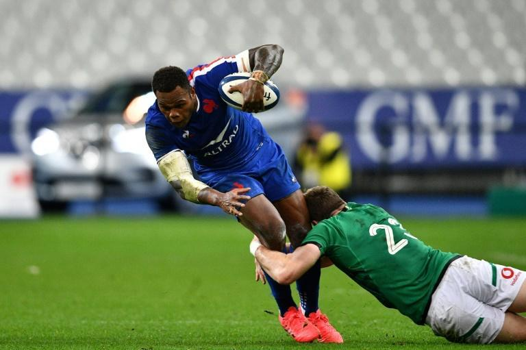 Virimi Vakatawa (L) was among the try scorers as France beat Ireland in the final game of the Six Nations