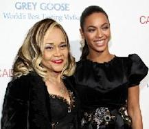 Etta James and Beyonce at the 'Cadillac Records' premiere in Hollywood (Nov. 2008) -- Getty Images