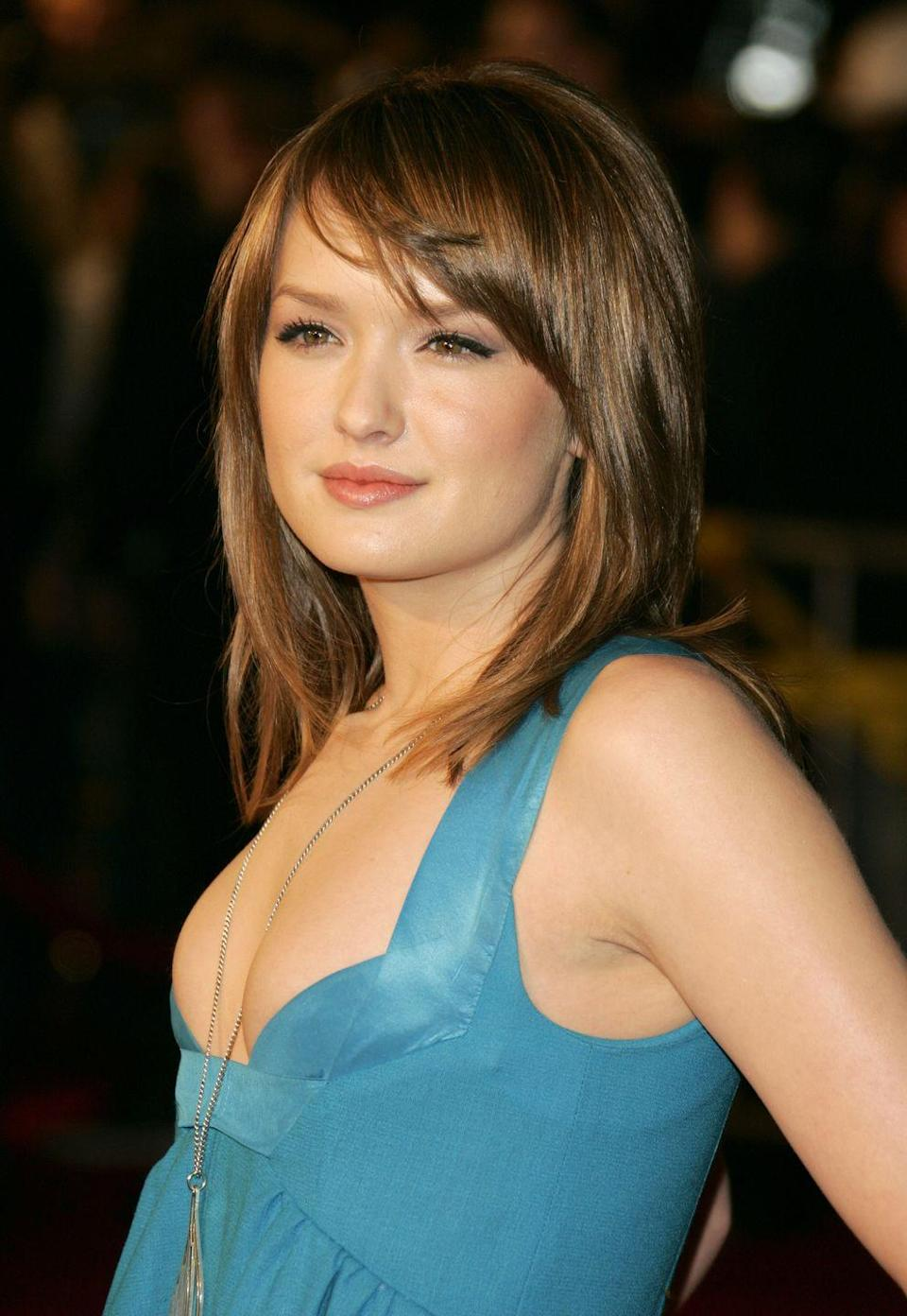 """<p>Remember the meddling van der Woodsen """"family member"""" Ivy Dickens? Well, she was played by Kaylee DeFer, who also starred in tons of other late-2000s hits like <em>How I Met Your Mother </em>and<em> Flicka.</em></p>"""