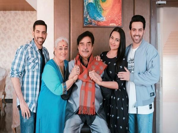 Sonakshi Sinha and her family (Image source: Instagram)