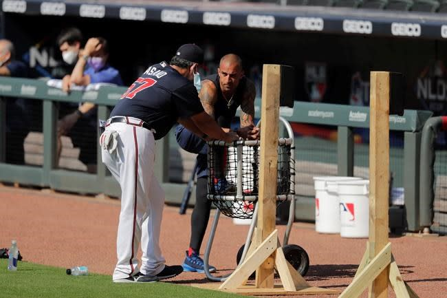 Braves' Markakis returns 3 weeks after opting out of season