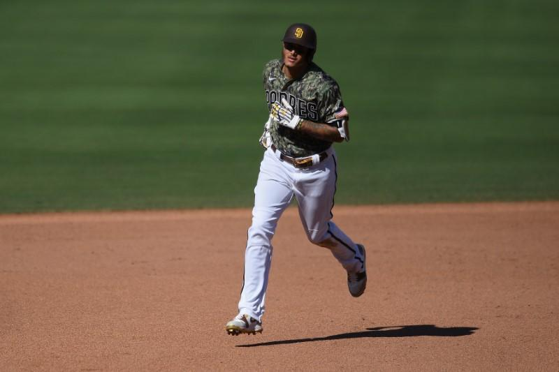 MLB roundup: Machado, Padres complete sweep of Astros