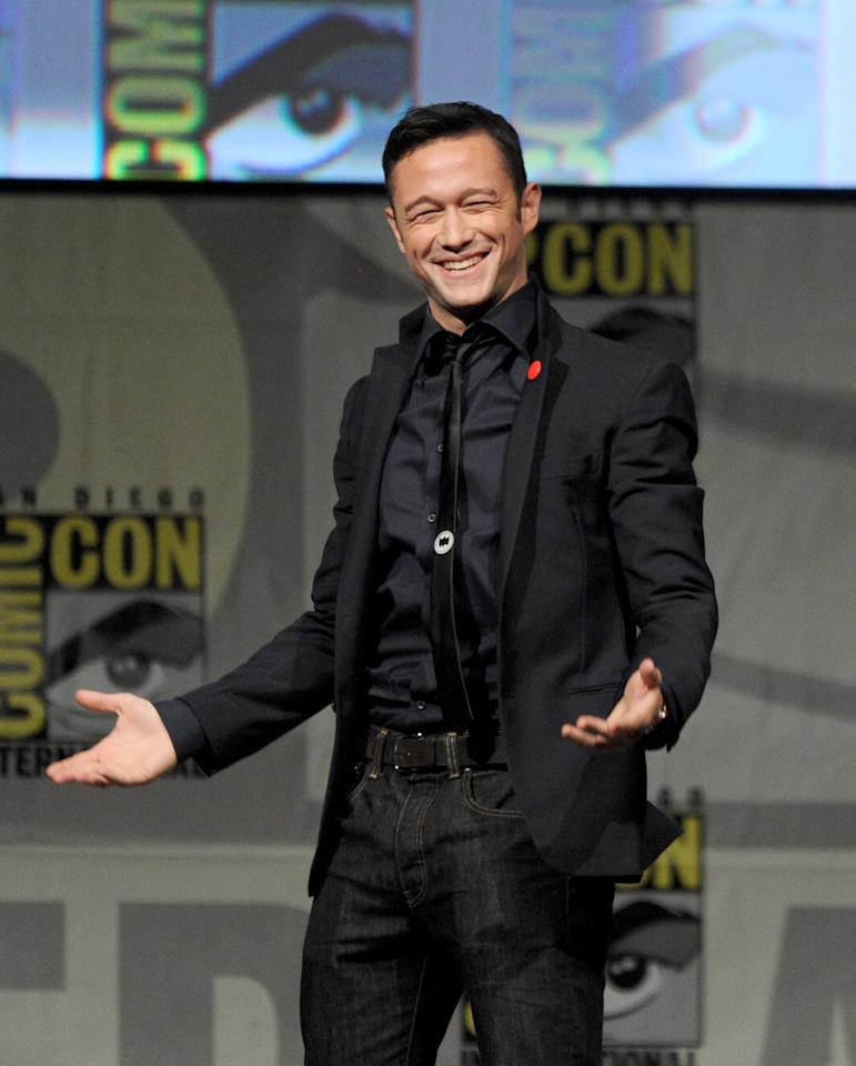 """SAN DIEGO, CA - JULY 13:  Actor Joseph Gordon-Levitt speaks during Sony's """"Looper"""" panel during Comic-Con International 2012 at San Diego Convention Center on July 13, 2012 in San Diego, California.  (Photo by Kevin Winter/Getty Images)"""