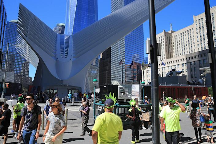 <p>Vendors seek out tourists along Church Street across from recently opened World Trade Center Transportation Hub in New York City, Aug. 23, 2016. (Gordon Donovan/Yahoo News) </p>