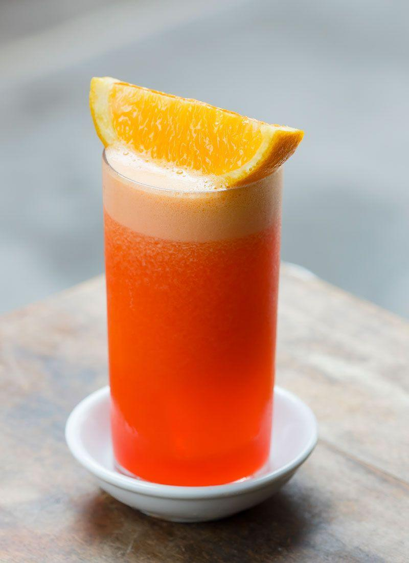 <p><strong>Ingredients</strong></p><p>1 parts Campari </p><p>1 part orange juice</p><p><strong>Instructions</strong></p><p>Mix both ingredients together and pour over ice. Garnish with slice of orange</p>