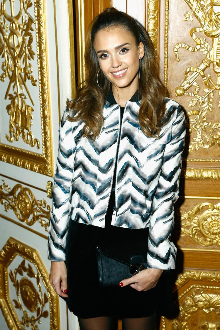 In Paris, Jessica Alba Talks About Her Fave Emojis, Packing Her Own