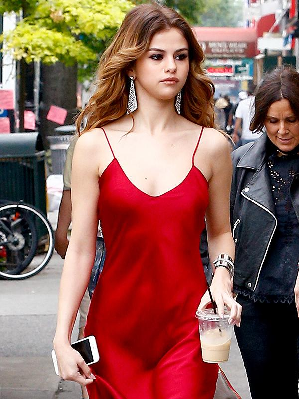 Selena Gomez red dress highlights
