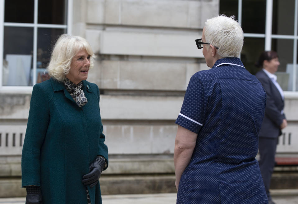BELFAST, NORTHERN IRELAND - SEPTEMBER 30: Camilla, Duchess of Cornwall thank nurses and midwives who transitioned early from their training to respond to the Covid-19 pandemic during a visit to the Ulster Museum on September 30, 2020 in Belfast, United Kingdom. (Photo by Ian Vogler - WPA Pool/Getty Images)