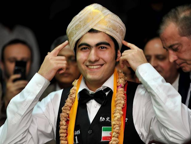 Vafaei celebrates winning the IBSF World Snooker Championship in Bangalore (Getty)