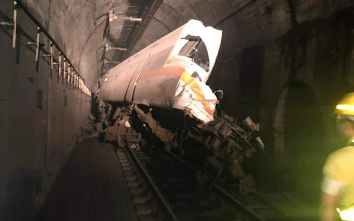 The train to Taitung was off the railroad track in a tunnel just north of Hualien-Cheng Rong-gui / Facebook & # xa0;