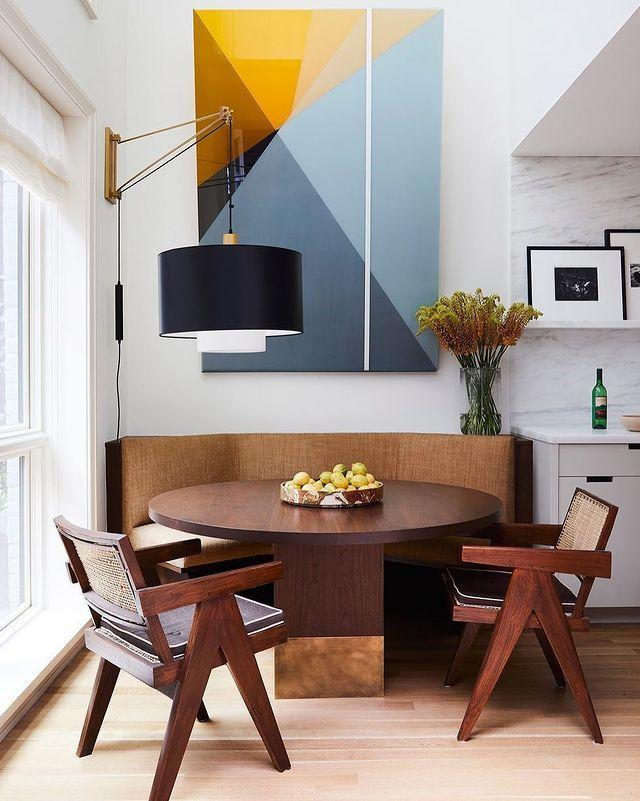 "<p>An art collector's paradise on the Upper West Side blends clean lines with bold artwork, including in the kitchen's dining nook.</p><p><a href=""https://www.instagram.com/p/B_VHTQGpnc4/"" rel=""nofollow noopener"" target=""_blank"" data-ylk=""slk:See the original post on Instagram"" class=""link rapid-noclick-resp"">See the original post on Instagram</a></p>"