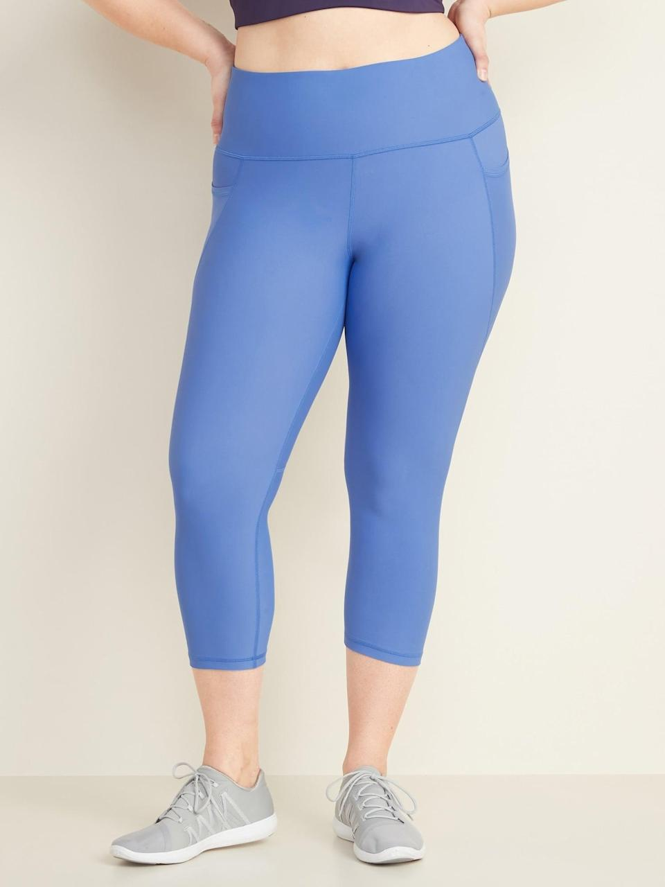 <p>We're so into these <span>Old Navy High-Waisted Elevate Powersoft Cropped Leggings</span> ($40).</p>