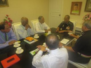 Father Lawrence Andrew (second from left) and Archbishop Emeritus Tan Sri Murphy Pakiam (third from left) at their meeting with Selangor police chief Datuk Mohd Shukri Dahlan yesterday. – The Malaysian Inisder pic, January 7, 2014.
