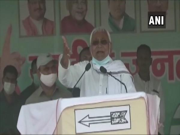 Chief Minister Nitish Kumar addressing a rally in Muzzafarpur on Monday.