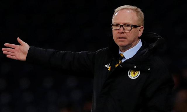 Alex McLeish, the Scotland manager, has had six players pull out of the squad to take on Peru and Mexico.