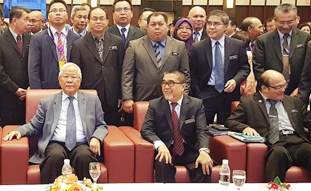 Education, Science and Technological Research Minister Datuk Seri Michael Manyin (seated, left) at the Sarawak Headmasters' Conference in Kuching March 19, 2018. — Picture by Sulok Tawie