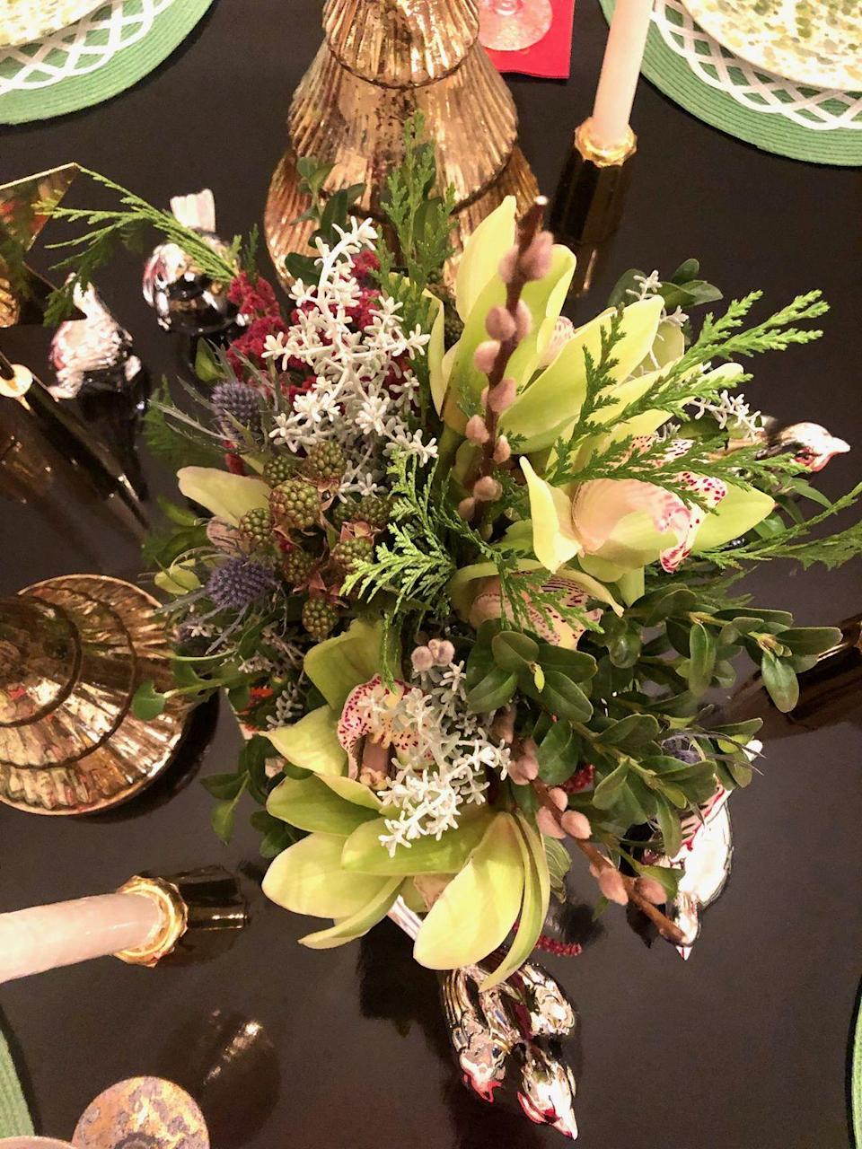 "<p>While you can never go wrong with a colorful floral arrangement for a holiday dinner, sticking to earth tones can be just as chic. ""A bountiful holiday meal is often full of vibrant and fresh color,"" says Amanda Reynal. ""By using a more earthy and neutral palette in the centerpiece and table, the scheme complements the beautiful harvest instead of competing with it.""<em><br></em></p><p><em><a href=""http://www.reynalinteriors.com/"" rel=""nofollow noopener"" target=""_blank"" data-ylk=""slk:Via Amanda Reynal"" class=""link rapid-noclick-resp"">Via Amanda Reynal</a></em><br></p>"