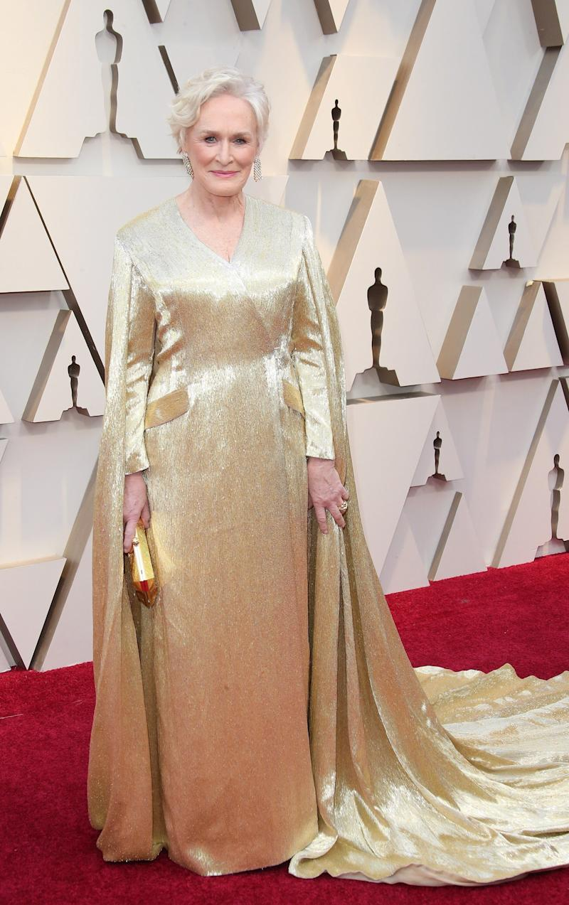Glenn Close wears a gold gown featuring a cape at the 91st Annual Academy Awards. (Photo: Dan MacMedan/Getty Images)