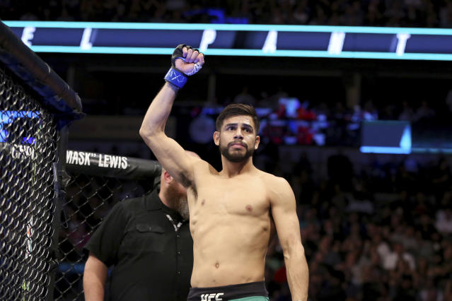 Yair Rodriguez questioned the severity of Jeremy Stephens' eye injury when their last fight was ruled a no-contest. The duo will get a re-match in October. (AP Photo)