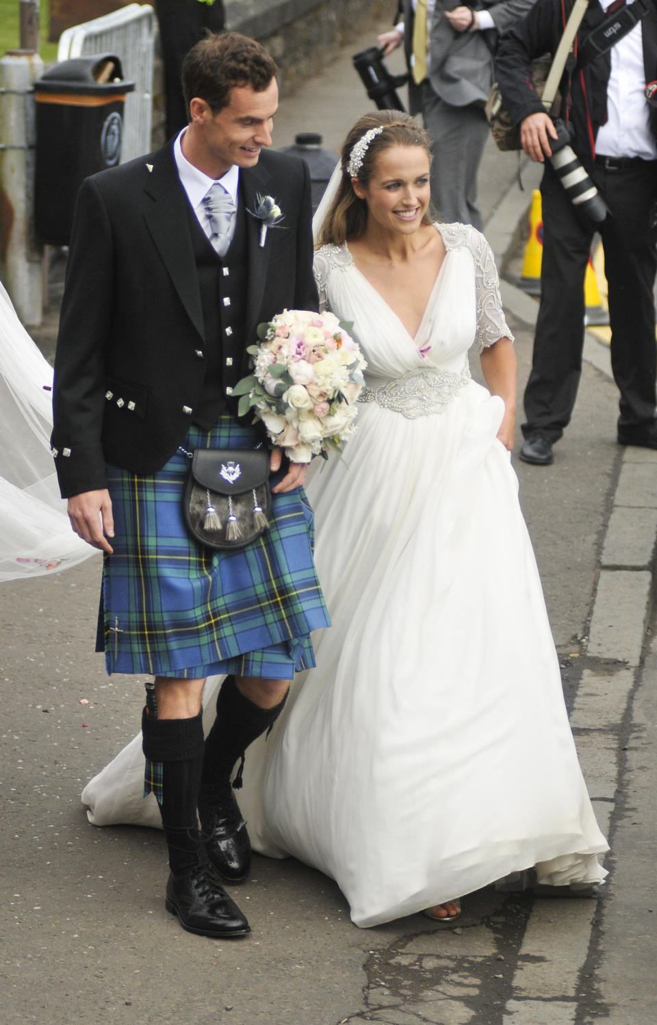 Andy Murray and Kim Sears leave Dunblane Cathedral after their wedding on April 11, 2015 in Dunblane, Scotland. (Photo by Martin Fraser/WireImage)